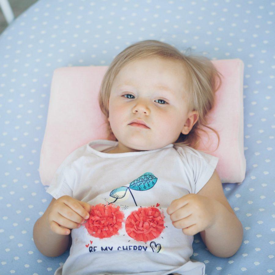 Детская анатомическая подушка - розовый цвет