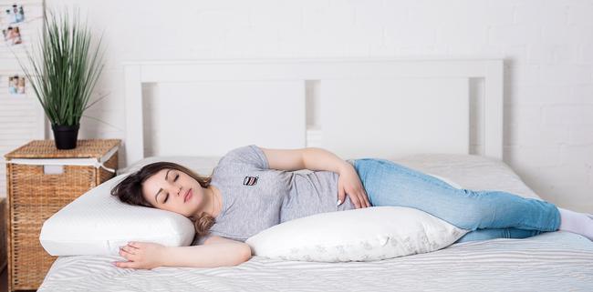 гипоаллергенные удобные подушки для беременных и будущих мам фото