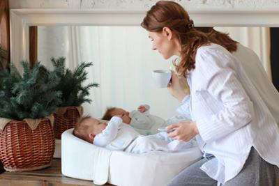Кокон для новорожденных на кухне фото